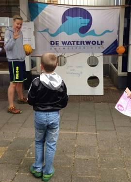 ZV De Waterwolf op de braderie in Badhoevedorp